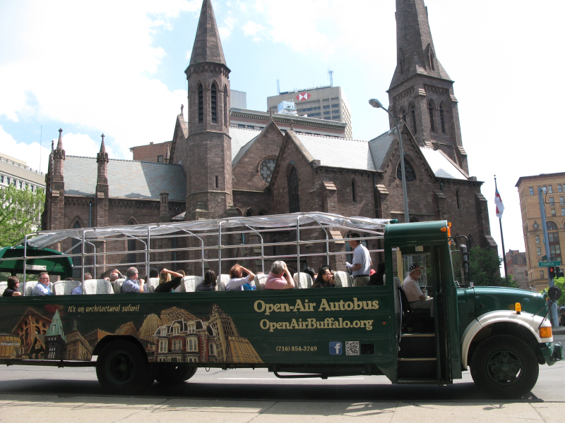 Bus St Paul Cathedral